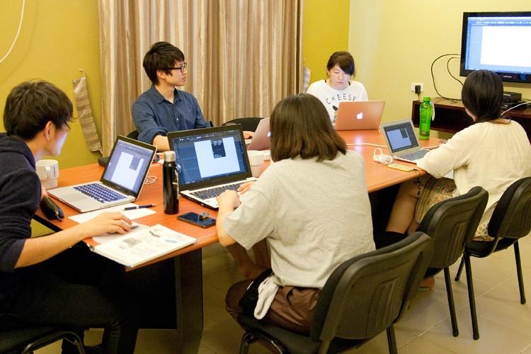 海外勤務・プログラミングのメンターを募集
